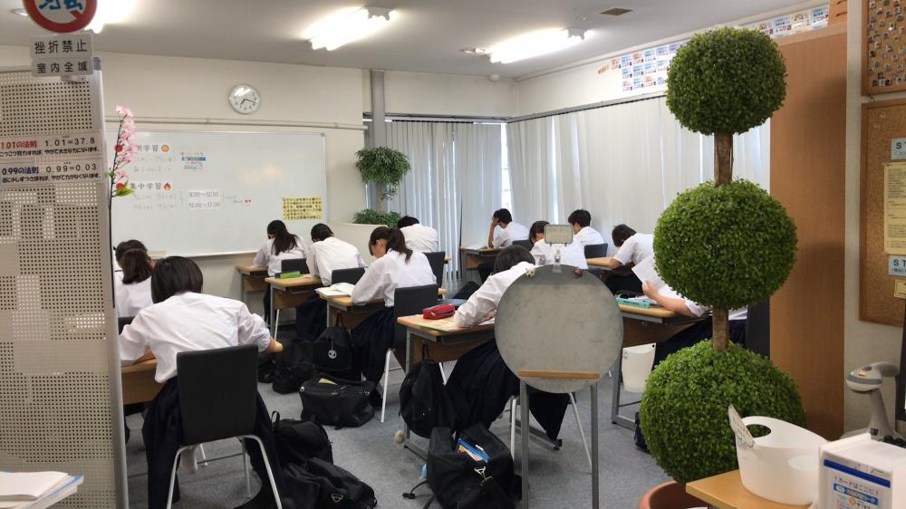 早朝学習の様子(2017.10.5)